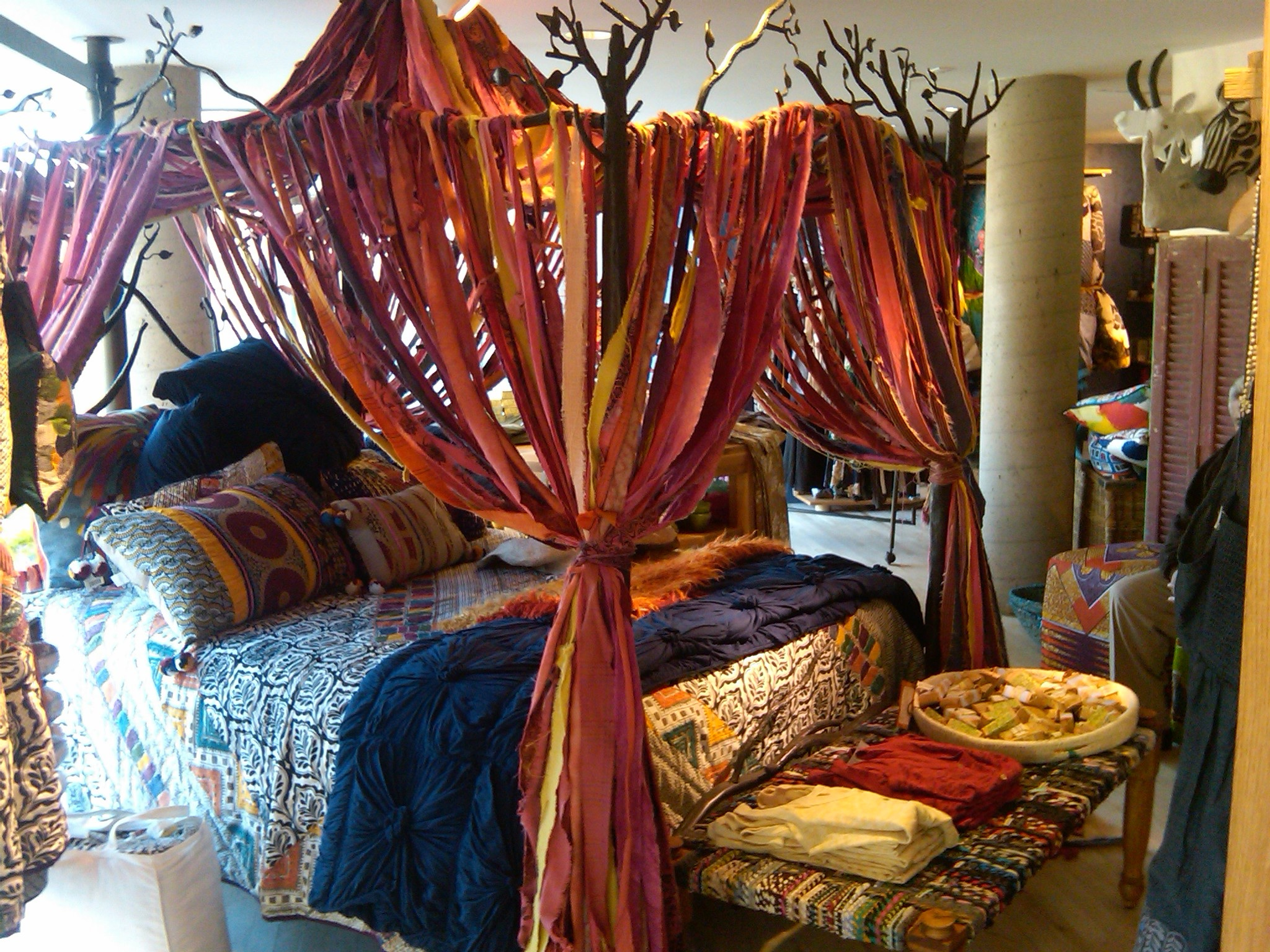 Bohemian library on pinterest bohemian gypsy and Anthropologie home decor ideas